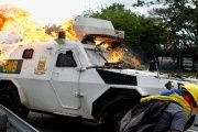 A vehicle belonging to the National Guard set on fire in Altamira