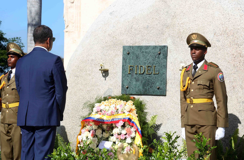 In Havana, President Correa laid a wreath at the tomb of Fidel Castro.