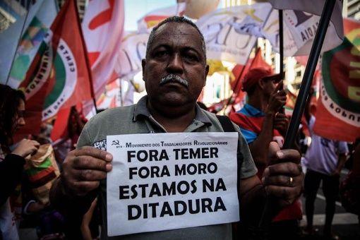 La propuesta surge cuando el expresidente Luiz Inácio Lula da Silva lidera las encuestas para ser el próximo presidente.