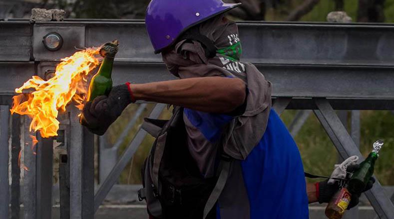 Oposición venezolana rechaza el diálogo e insiste en planes golpistas
