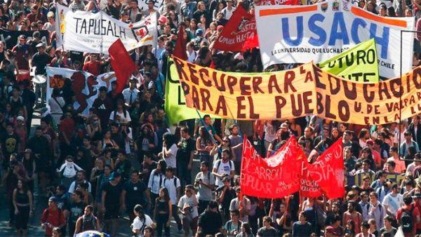 http://www.telesurtv.net/__export/1494337310860/sites/telesur/img/news/2017/05/09/chile_estudiantes_marcha.jpg_1718483347.jpg