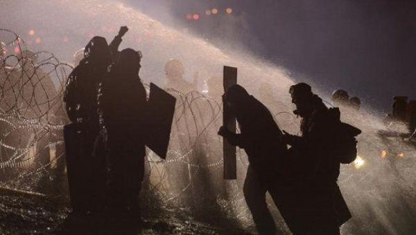 Back in November, police used a water cannon on protesters during a protest against plans to pass the Dakota Access pipeline.