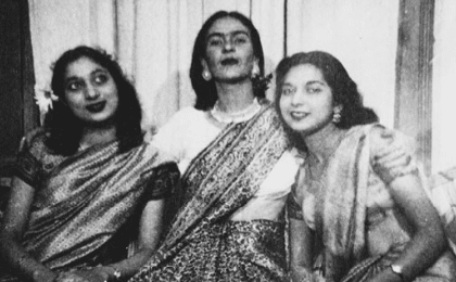 Renowned Mexican artist Frida Kahlo wearing a sari, an Indian drape, along with sisters a young Nayantara Sahgal (R) and Nayantara