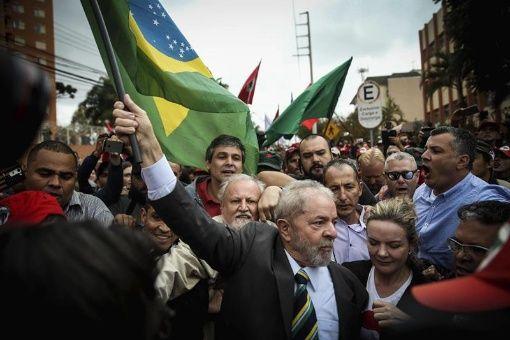 El juez Moro prohibió que el proceso fuese grabado por considerar que convertirían el acto en un evento político-partidario.
