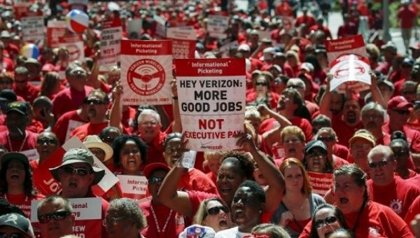 CWA calls three day strike for AT&T workers, one year after 40,000 Verizon employees walked out for over a month (pictured above).