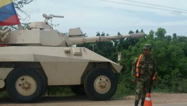 Colombian armored combat vehicles were posted only a few meters from the Venezuelan border.