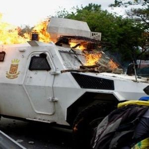 http://www.telesurtv.net/__export/1495558766289/sites/telesur/img/blog/2017/05/23/oposicion_venezuela.jpg_1810791533.jpg