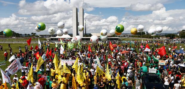 Trabajadores ocupan Brasilia para exigir la renuncia de Michel Temer