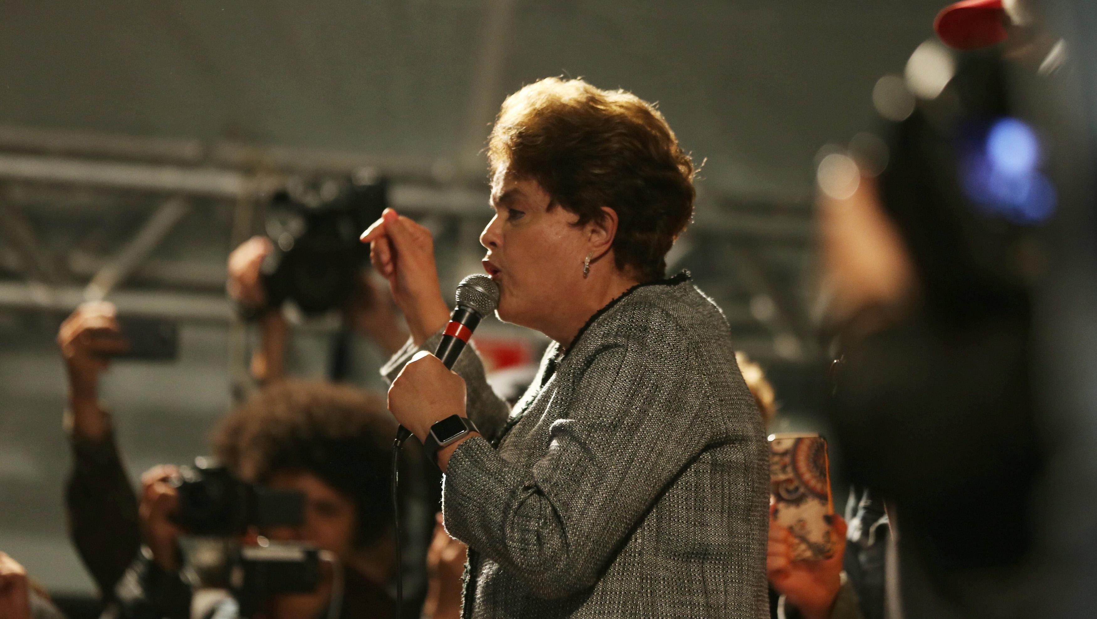 Dilma Rousseff pide a la Corte Suprema de Brasil que la restituya a la Presidencia