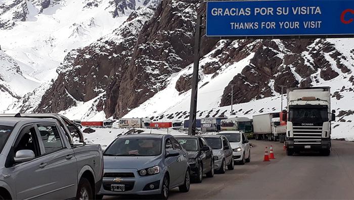 Aduaneros de Chile permitieron leve circulación de carga