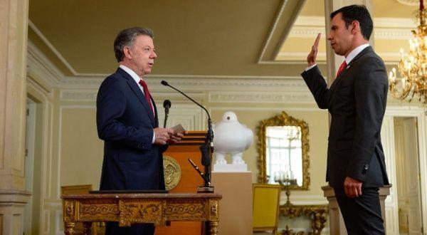 Santos pide al nuevo ministro del interior consolidar la for Nuevo ministro del interior