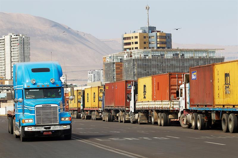 Bolivia perdió más de 100 millones de dólares por paro en Chile