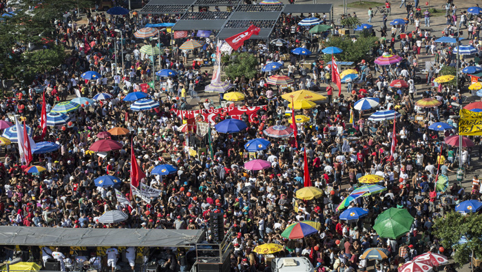 """Grito de """"Fuera Temer"""" vuelve a resonar en Brasil"""