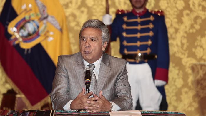 Presidente de Ecuador firma decreto sobre frente anticorrupción