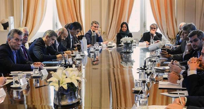 Macri exige a ministros recortar gastos y programas para 2018