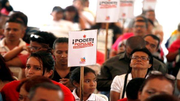 Risultati immagini per comunas Venezuela