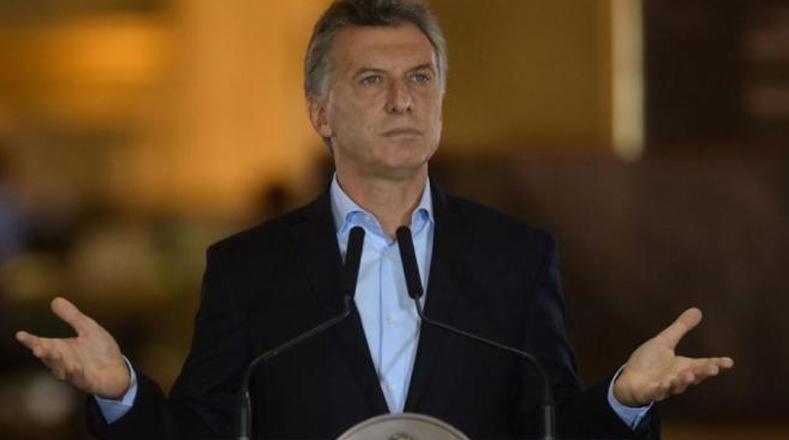 Macri se autoperdona tercera deuda por 500 mil dólares