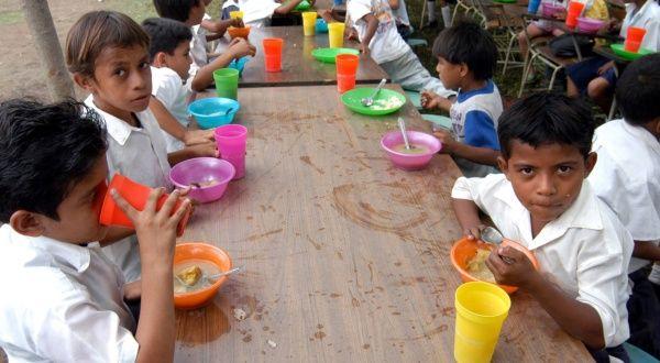 Denuncian suspensi n de pago a comedores escolares en for Comedores escolares en colombia