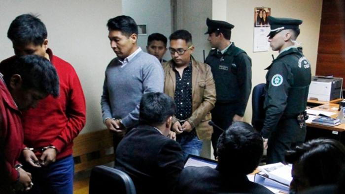 Chile expulsa a bolivianos detenidos y les impone multa