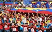 Venezuelans around the country join together to celebrate the country