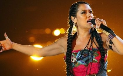 "Lila Downs performs ""Zapata Se Queda"" during the 13th Latin Grammy Awards in Las Vegas."