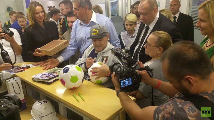 Maradona: Estoy preparado para entrenar la selección de Rusia