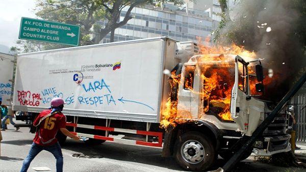 """Los crímenes de odio """"desarrollaron su caldo de cultivo violento en Venezuela entre abril y mayo"""", expresó el defensor del Pueblo, Tareck William Saab."""