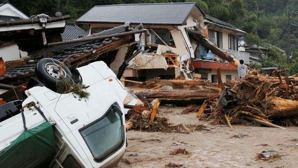 Lluvias dejan tres muertos y 11 desaparecidos en Japón