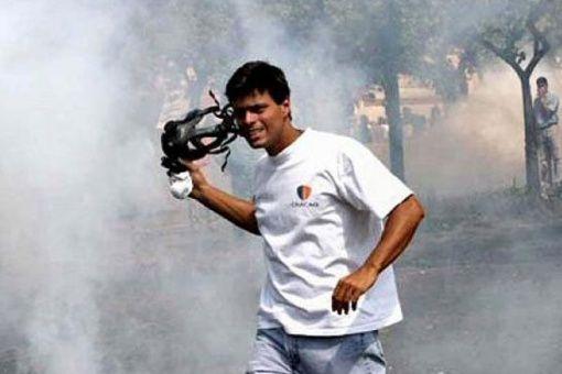 López fue acusado de promover las acciones violentas de 2014 conocidas como las guarimbas, que dejaron 43 muertos.