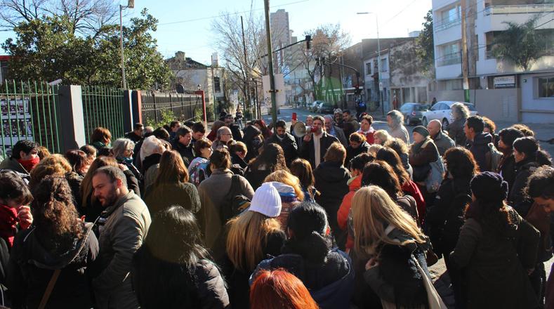 Bajo el lema: #Ahora marchamos, maestros de Buenos Aires acompañan en las principales calles de la ciudad el llamado a paro convocado por los diferentes sindicatos de la educación.