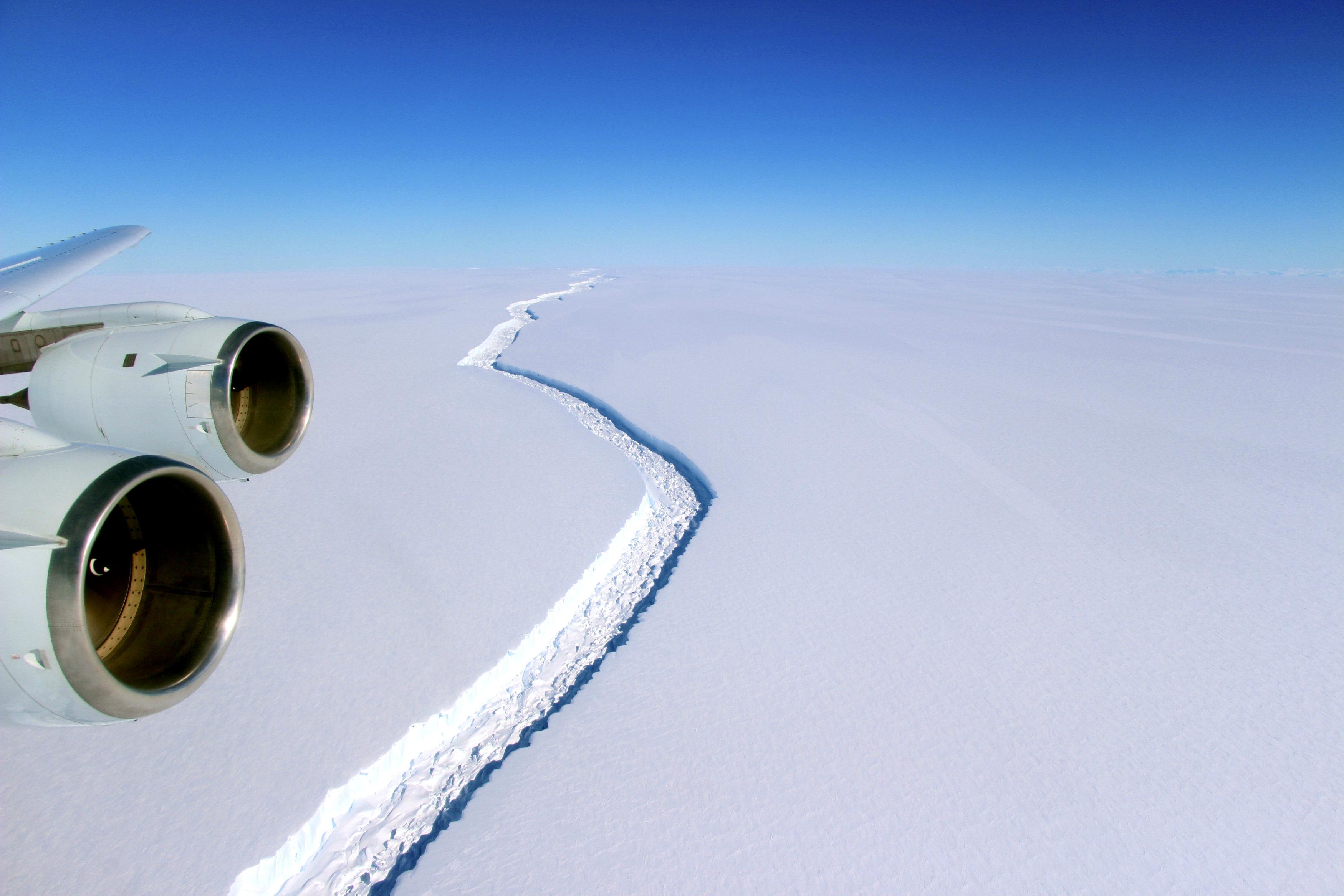 Iceberg más grande de la historia se desprende de la Antártica