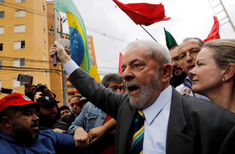 En el documento, divulgado por los abogados de Lula, cuestionan la imparcialidad del juez Sergio Moro