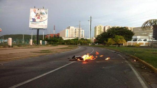 La violencia de la oposición venezolana se hace evidente en los crímenes de odio que desde abril ocurren en las calles de ese país.
