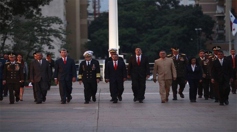 Gabinete ministerial del gobierno del presidente Nicolás Maduro asistieron al acto.