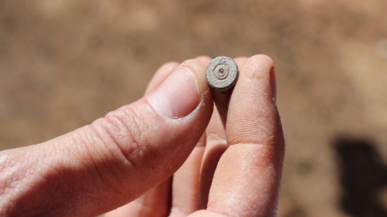 Perdigones de Máuser encontrados alrededor de la fosa 1 y 2.