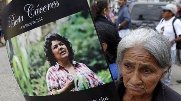 La familia de Cáceresresponsabilizóal presidente de Honduras de los ataques que han sufrido.