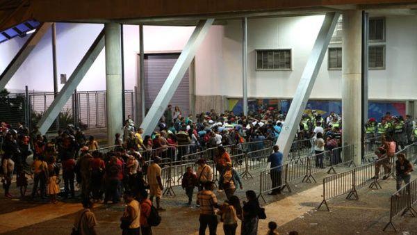 El Poliedro de Caracas fue uno de los centros que recibió gran afluencia de votantes.