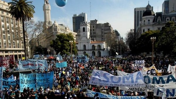 Argentines demand food emergency law on St. Cajetan