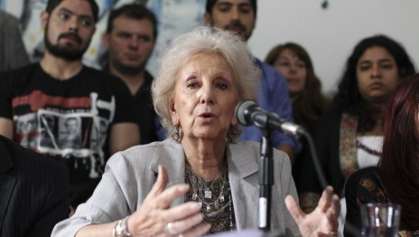 Estela de Carlotto has blamed President Macri for the disappearance of a Mapuche activist.