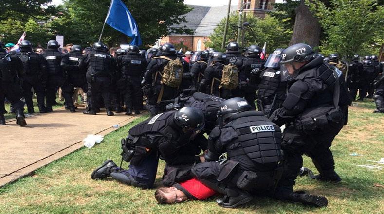 """La protesta fue declarada una """"reunión ilegal"""", por lo que la policía dispersó a los manifestantes y desalojó el parque."""