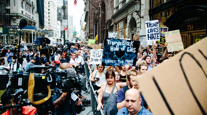 Protestan contra Donald Trump en Manhattan, Nueva York