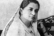 Bhikaiji Cama was from the minority, Parsi community of India. A social worker and a philanthropist, she is known to have unfurled the first Indian National flag at the International Socialist Conference in Stuttgart, Germany in 1907.