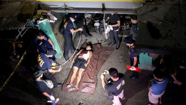 The body of a man police said was killed during a drug-bust operation in Manila, Philippines, August 18, 2016.