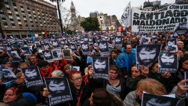 Cada vez son más los sectores de la sociedad argentina que claman por la aparición del joven.