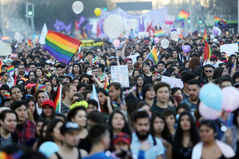 Gobierno chileno presentará proyecto de matrimonio igualitario