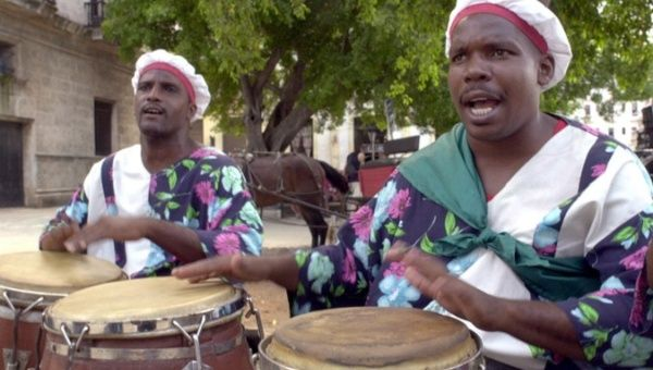 Afro-Cubans in Havana Plaza