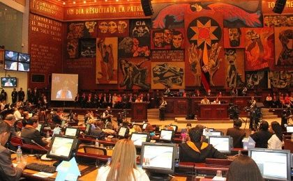 The National Assembly begins discussions of the law against femicides in Ecuador.