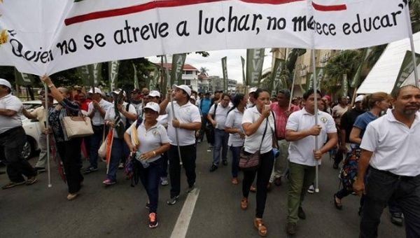 Teachers in Panama demand better working conditions.
