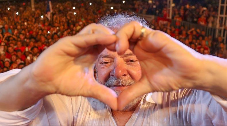 Hasta el momento no se ha confirmado si Lula será candidato para las elecciones presidenciales de 2018, tras haber sido condenado en primera instancia a nueve años y medio de prisión por una supuesta corrupción y lavado de dinero, que ha sido catalogada por organizaciones sociales como persecución política.
