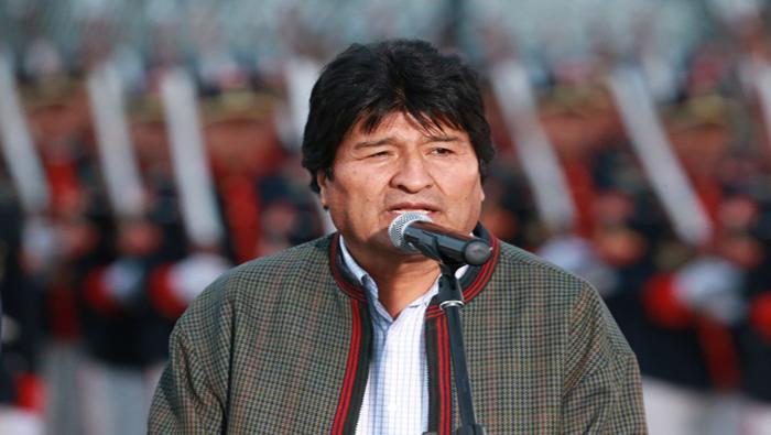 Evo Morales llega a Perú para asistir a encuentro binacional